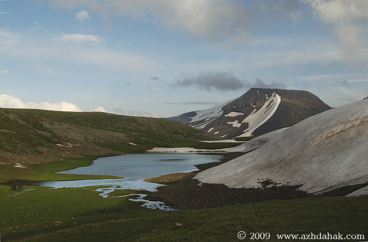 Mount Azhdahak (3598m)