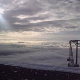Πίσω από τον αναβατήρα Άρτεμις στο Χιονοδρομικό Κέντρο Καλαβρύτων σε υψόμετρο 2020 μέτρων !!!, Helmos