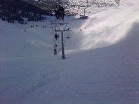 Κατεβαίνοντας τη μαύρη πίστα Ινώ κάτω από τον εναέριο αναβατήρα της Στύγας στο Χιονοδρομικό Κέντρο Καλαβρύτων !!!, Helmos photo