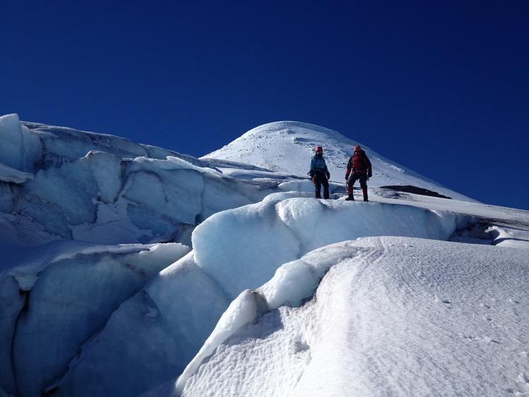 Grietas Volcan Osorno, Osorno (volcano)