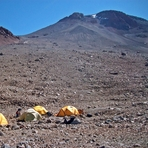 Camp 1 a 5500 msnm (ruta arqueologica), Llullaillaco