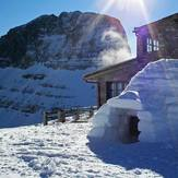 Igloo at 2760 m., Mount Olympus