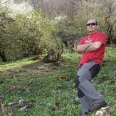 Ali Saeidi NeghabeKoohestaN, Acho