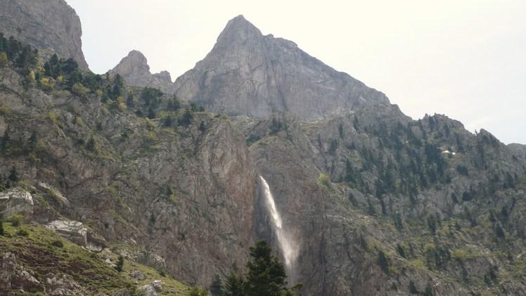Anemistos waterfall vardousia