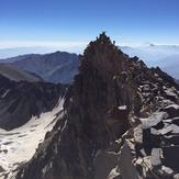 صعود خانواده کوهنوردان والاهمت به علم کوه, Alam Kuh or Alum Kooh