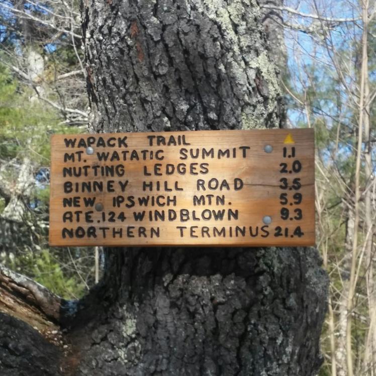 Signage, Mount Watatic