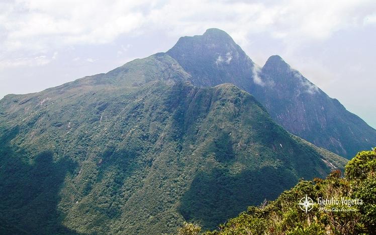Pico Paraná (ao fundo) visto do cume do Cerro Verde
