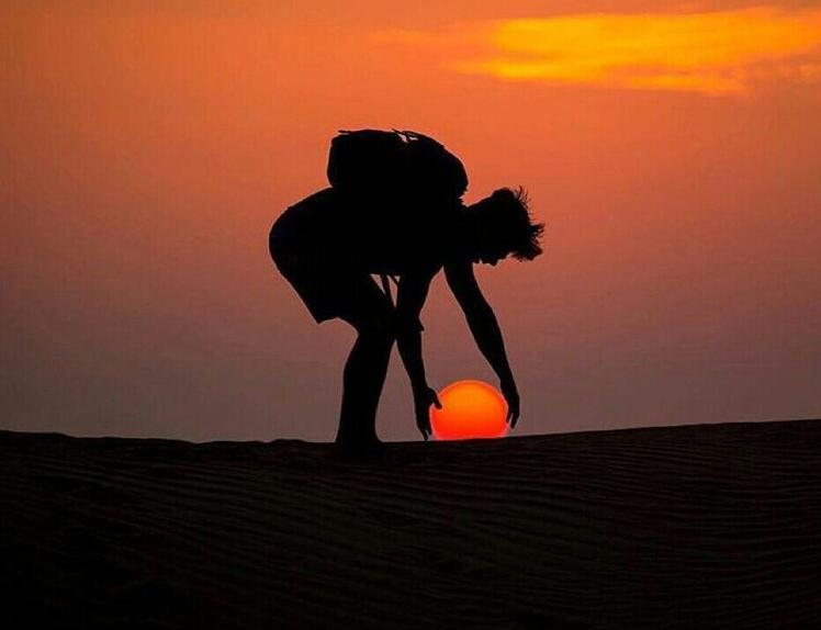 Naser Ramezani: Mesr Desert, Karkas