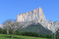 Mont Aiguille SE face photo