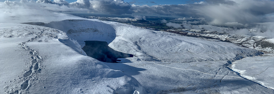 Black Mountains panorama, Picws Du