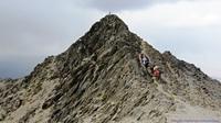 قله هزارکرمان, هَزار photo
