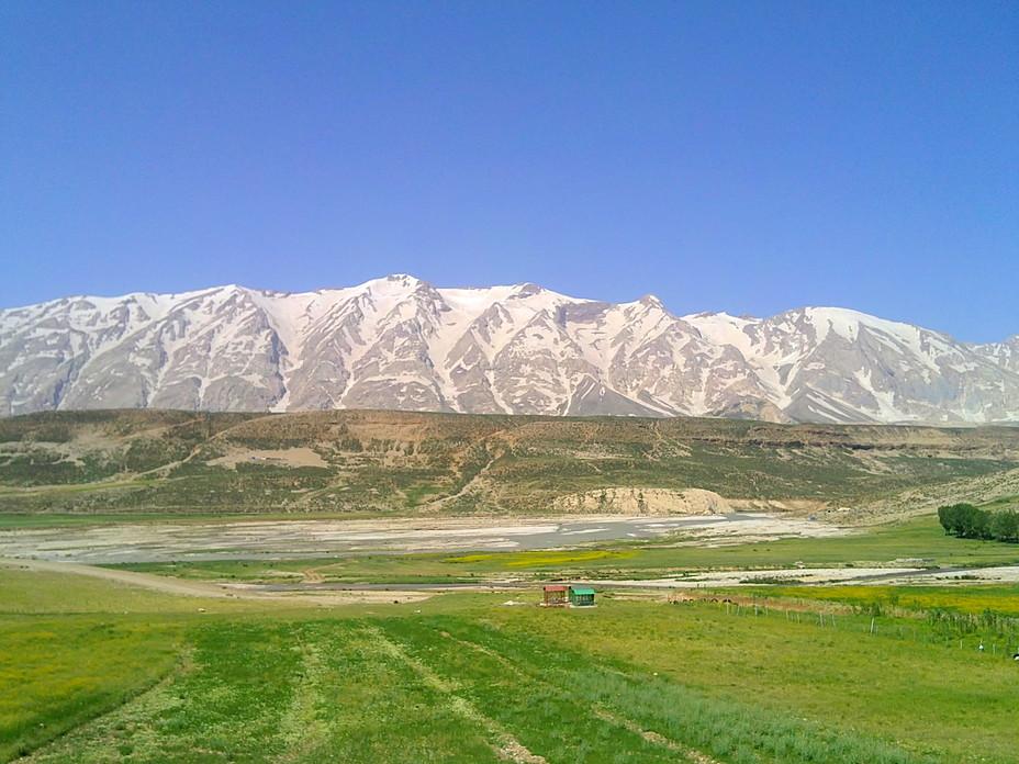 زردکوه بختیاری و رودخانه زاینده رود, Zard-Kuh