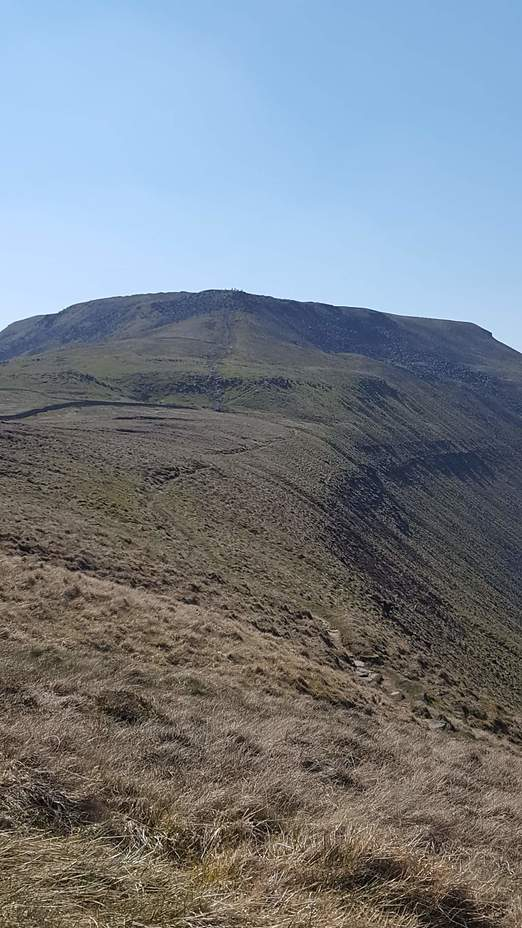 Plateau summit of Ingleborough from Simon Fell