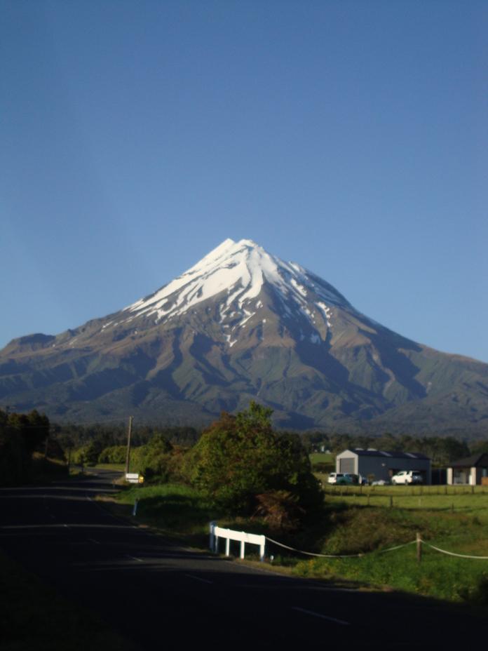Early morning view, Mount Egmont/Taranaki