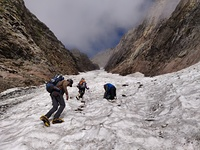 Climbing the Tentu gully, Mount Hanuman Tibba photo