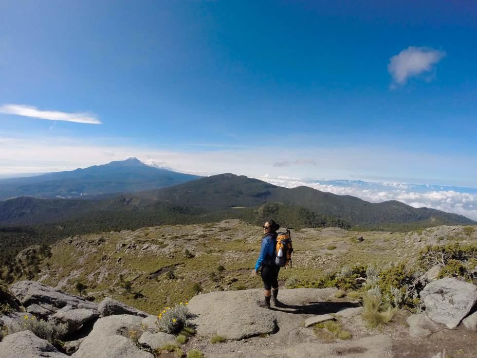 Monte Tláloc: Iztaccihuatl- Popo view