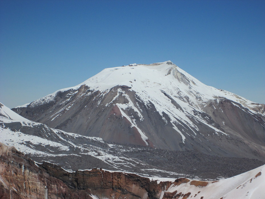 Ampato seen from Hualca Hualca