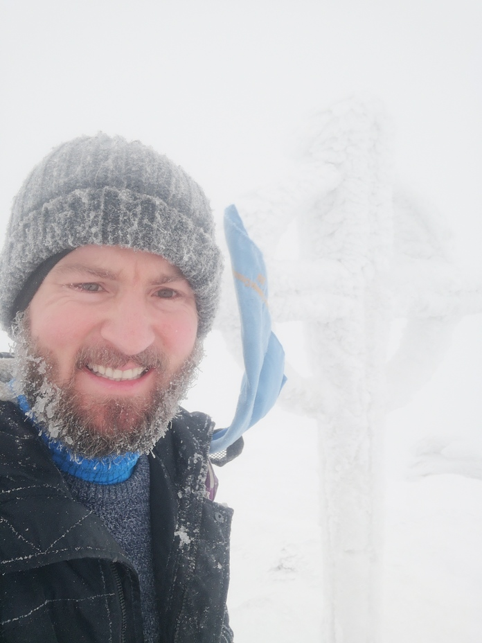 Fresh snow at the top with almost zero visibility, Galtymore