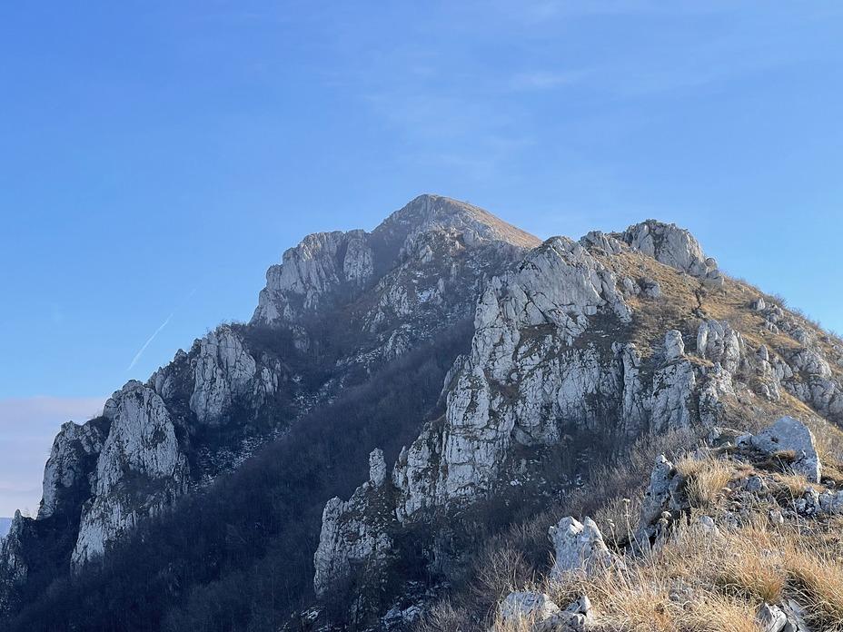 Sokolov kamen peak