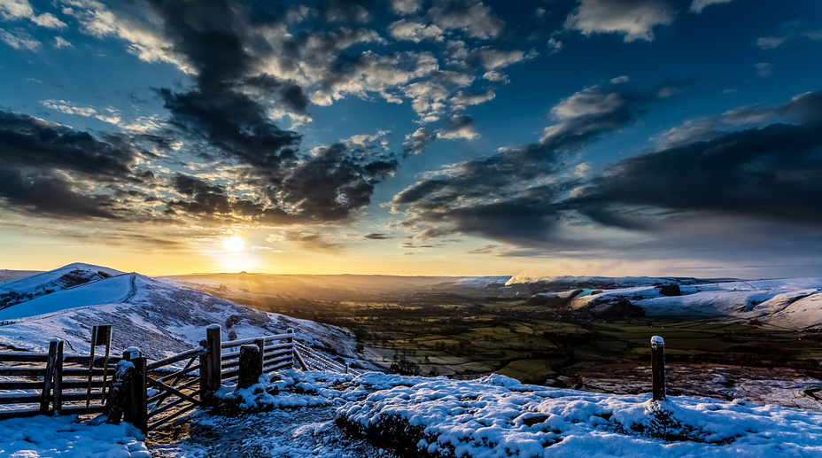 Sunrise over The Great Ridge, Mam Tor