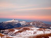 Le massif du Canigou au coucher de soleil depuis l'Ouest photo