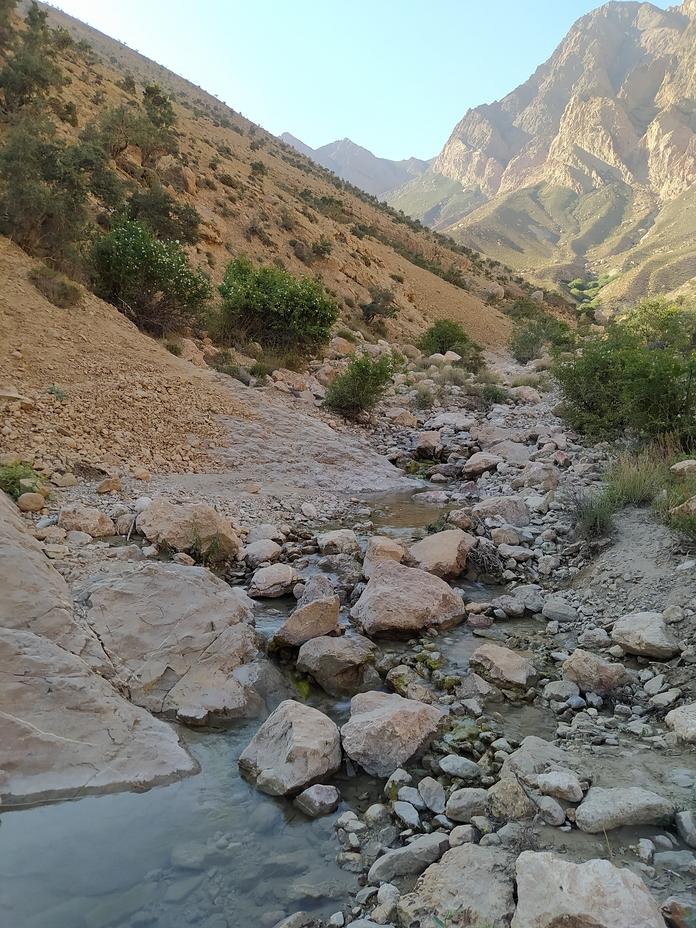 رودخانه فصلی در ارتفاع ۲۹۰۰, جوپار