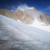 Bajando hacia circo glaciar del calluqueo desde paso la corniza, Monte San Lorenzo