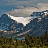 Bow Lake, Crowfoot Glacier & Mountain, Crowfoot Mountain (Alberta)