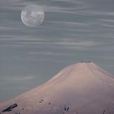 The Moon over the Villarrica Volcano, Volcan Villarrica