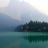 Emerald lake, Mount Victoria (British Columbia)