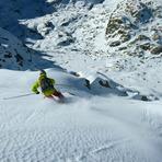 Skiing to Laguna Grande, Pico Almanzor