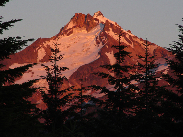Evening Alpinglow, Mount Jefferson (Oregon)