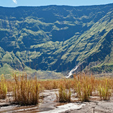 the green northern wall of the crater, 1.200m high, Tambora