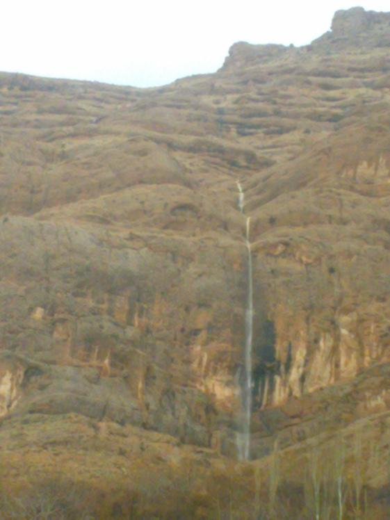 Seasonal waterfall with name Goreye Siyah, Ghalat