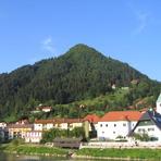 Hum (hill), Laško