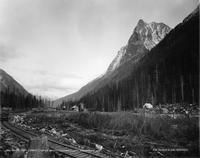 Mount Macdonald photo