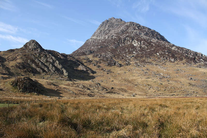 Y Rhinogydd Tryfan Mountain Inform...