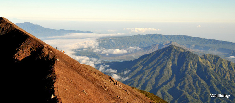 a new group approaching the peak, Mount Agung