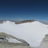 Crater Volcano in Summit, دماوند